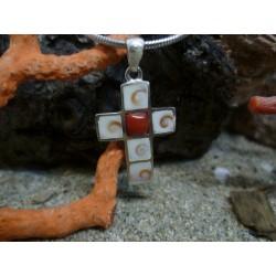 Pendentif argent massif corail rouge et oeil de Sainte Lucie