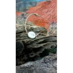 Bracelet cordon cuir naturel et oeil de Sainte Lucie